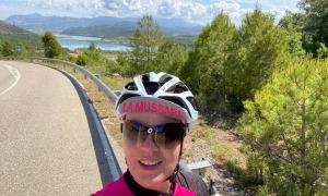 La pallaresa Teresa Alert, impulsora del primer recorregut de dones ciclistes a l'Alt Urgell.