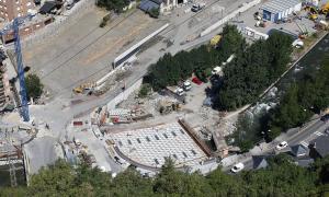 Vista aèria del pont de Fontaneda on es vol fer un espai per als vianants.