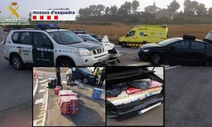 El vehicle i el tabac comissat pels agents de la guàrdia civil.