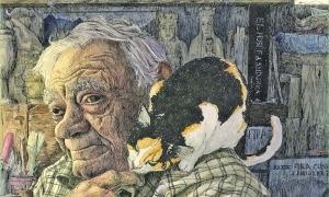 Sergi Mas, retratat per Xavi Casals, envoltat del seu particularíssim món.