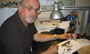 El creador de Torpedo, al seu estudi; el Museu del Còmic li consagra una retrospectiva.