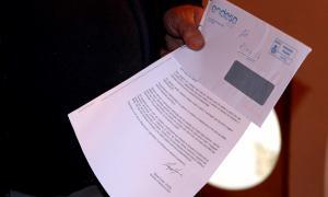 Una de les cartes d'Endesa a una veïna amb relació a l'IVA pendent de liquidar.