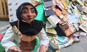 Una de les imatges que va deixar el cap de setmana 'Llegendària', al carrer Canonges com a eix cultural de la ciutat.