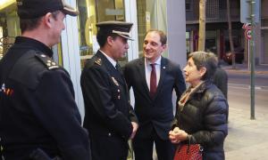 Teresa Cunillera i José Crespín a la comissaria de policia de la Seu.