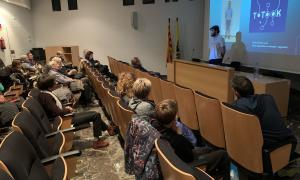 Una imatge de participants en una de les xerrades incloses a la Mobile Week.