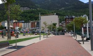 Andorra, Escaldes, Arnaldeta, mercat, col·leccionisme, parades, Paperassa, Rossell, Rotonda