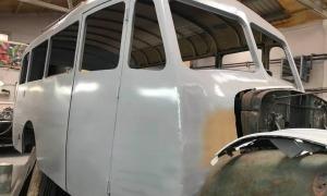 El Fargo, dimarts al taller Catalunya de la Comella, on la setmana que ve rebrà la primera capa de pintura.