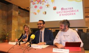 Marta Riestra, Jordi Serracanta i Andrés Riestra en la roda de premsa de presentació de la mostra, ahir al matí.