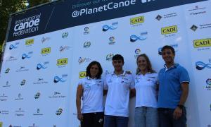 Díez-Canedo i els palistes Maialen Chourraut, Miquel Travé i Núria Vilarrubla, al Parc Olímpic del Segre.