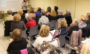 Un moment de la xerrada oferta ahir a l'Espai per la dietista Marta Pons.