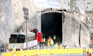 El túnel després de la primera voladura feta en fase de proves.