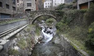 El pont de la Tosca (1820) i el dels Escalls, del XIX, són els que necessiten una intervenció més urgent.