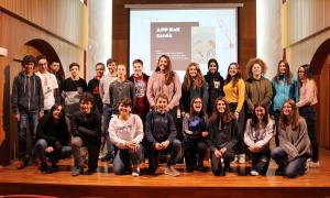 Els alumnes durant la presentació de l'app.