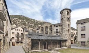 reconstrucció ideal de Santa Coloma amb l'església al mig de la nova trama urbana.