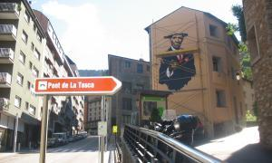 Andorra, land art, biennal, pont de la Tosca, Pere Moles, Montgomery Flagg, I Want You, fàbrica de la llana