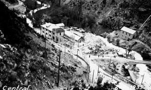 La construcció de la central escaldenca de Fhasa va començar el 1930: el maig del 1933 encara estava a mitges.