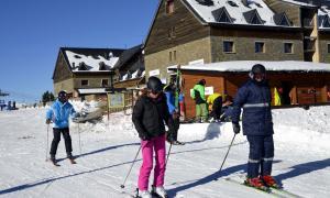 Esquiadors a l'estació de Portainé.