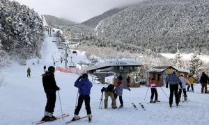 Un grup d'esquiadors a l'estació d'esquí d'Espot, al Pallars Sobirà, el febrer d'aquest any.