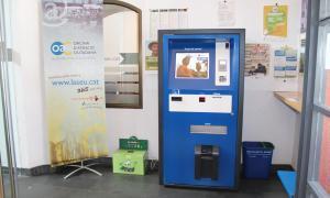 Instal·lació d'un caixer automàtic per pagar els tributs i les multes