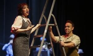 La soprano Jonaina Salvador i el tenor Antoni Lliteras, al duet 'Per tu, Francina meva', a la funció d'ahir al Claror.