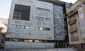 Presó per a dos homes per ferir-ne greument dos més en una baralla multitudinària a la Seu d'Urgell