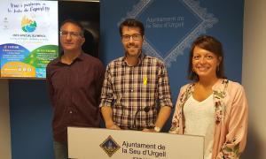 Albert Batalla, amb David Vallvé i Anna Vives durant la presentació d'ahir.
