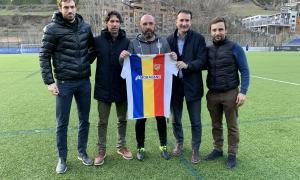 L'FC Andorra va presentar ahir oficialment el nou tècnic, l'asturià Nacho Castro, que arriba procedent de l'Horta.