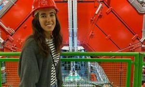 La jove investigadora alturgellenca, a la feina.