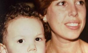 """Xavier Espot amb la seva mare, una persona que, diu, """"és molt important"""" per a ell."""