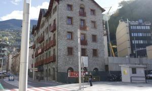 Andorra, Thyssen, Valira, Carmen Cervera
