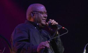 El pare de la Nueva Trova Cubana repassa a la gira 'Esencia' els hits de mig segle llarg de trajectòria.