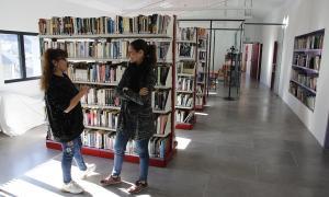 La cap d'àrea, Anna Call, i la consellera Fenés van visitar ahir les instal·lacions.
