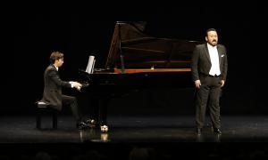 El pianista Ángel Rodríguez i el tenor Javier Camarena, aquest vespre al centre de Congressos.