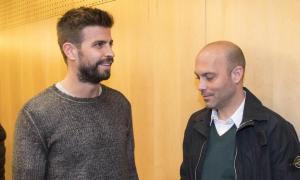 Gerard Piqué, 'propietari' de l'FC Andorra, amb el tècnic Gabri García en la roda de premsa de presentació del nou projecte tricolor, que ahir va ser destituït pels mals resultats.