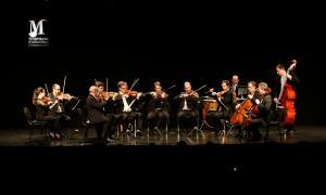 Els Virtuosos de la Filharmònica de Berlín va homenatjar Bernstein, ahir al Centre de Congressos.