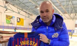 Andrés Iniesta 'fitxa' per Gol Solidari