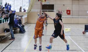 La festa del bàsquet base modest