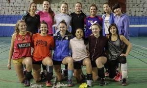 La nova selecció femenina es va entrenar ahir al pavelló del Lycée abans de marxar cap a Liechtenstein.