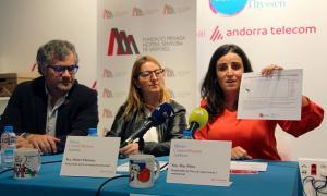 Guillermo Cervera, Dolors Martínez i Mar Peiró durant la presentació d'ahir.