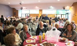 Uns 240 padrins s'apleguen per celebrar la castanyada a Encamp