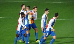 Els jugadors de l'FC Andorra celebren a La Nucia el gol de Víctor Casadesús.