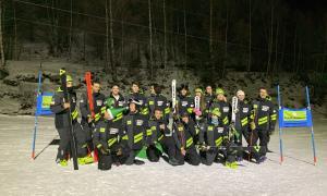 L'equip d'esquí alpí de la FAE al Parador Canaro de Canillo.