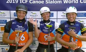 Monica Doria al podi amb la francesa Jacquet i la brasilera Satila.