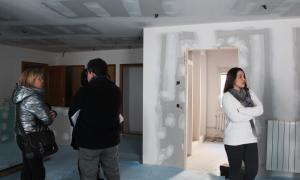 Visita d'obres a la nova residència que s'habilitarà als Tallers d'art.