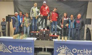 Àlex Rius, al podi de l'eslàlom FIS d'Orcieres Merlette, amb un segon lloc.