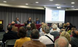 Àngel Ros, Amparo Soriano i Joan Lluís Ayala, ahir l'ambaixada espanyola.