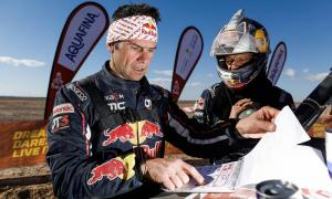 Cyril Despres amb el seu company Mike Horn durant la segona etapa del raid.