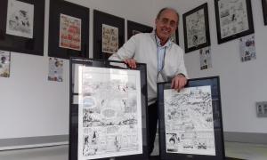 Pieras, al Museu del Còmic amb les planxes de 'El vagabundo de las estrellas' i 'El informe Jason Fly'.