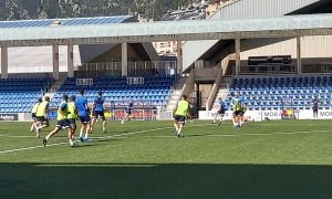 Els jugadors de l'FC Andorra en l'entrenament d'ahir a l'Estadi Nacional.