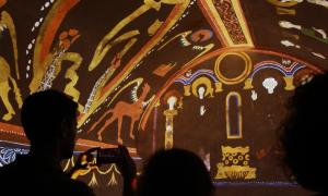 El videomapatge de les pintures murals a l'església de Santa Coloma.